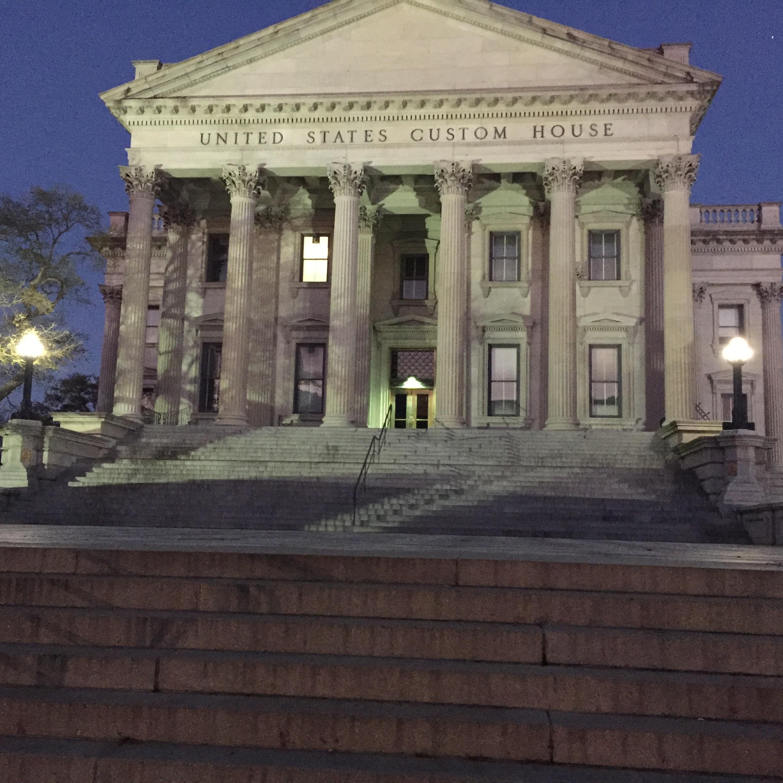South-Carolina-Charleston-Tour-Tourist-Jog-United-States-Custom-House